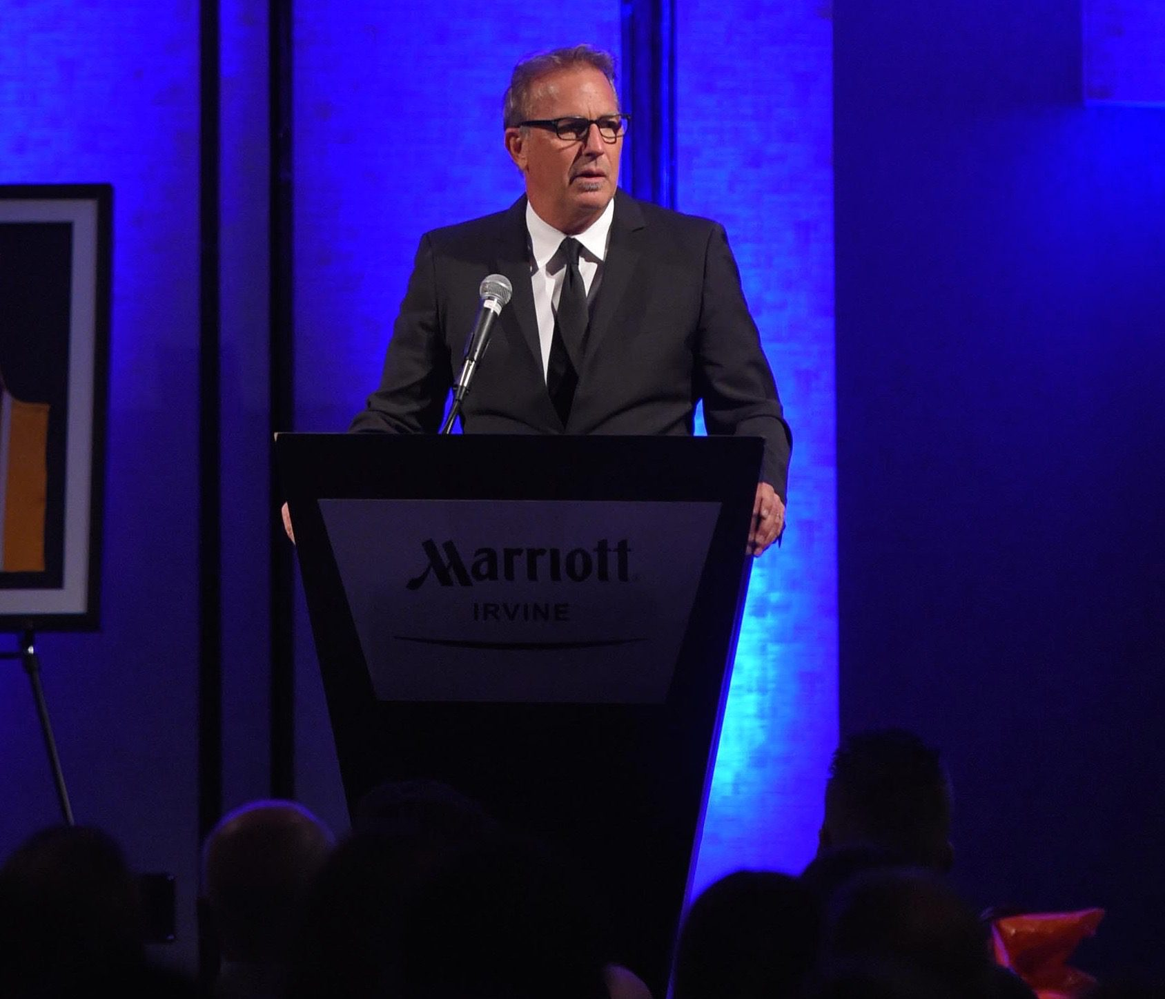 Kevin Costner addresses the crowd at Dinner with the Titans (Matt Brown)